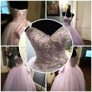 Dress for 15 o 16. Z .6